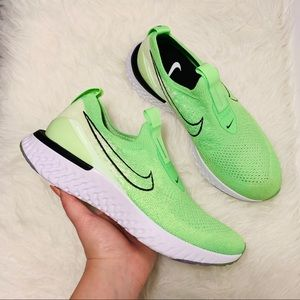NWOB Nike Epic Phantom React Flyknit Green